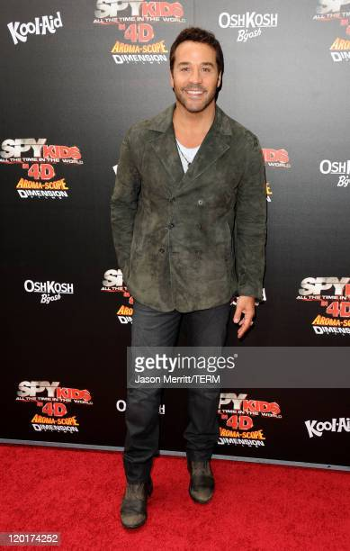 """Actor Jeremy Piven arrives at """"Spy Kids: All The Time In The World 4D"""" Los Angeles premiere at the Regal Cinemas L.A. Live on July 31, 2011 in Los..."""