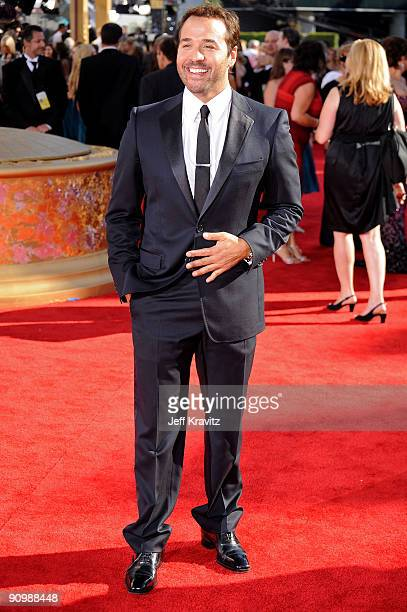 Actor Jeremy Piven arrives at the 61st Primetime Emmy Awards held at the Nokia Theatre on September 20 2009 in Los Angeles California