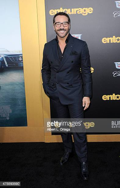 "Actor Jeremy Piven arrives for the Premiere Of Warner Bros. Pictures' ""Entourage"" held at Regency Village Theatre on June 1, 2015 in Westwood,..."