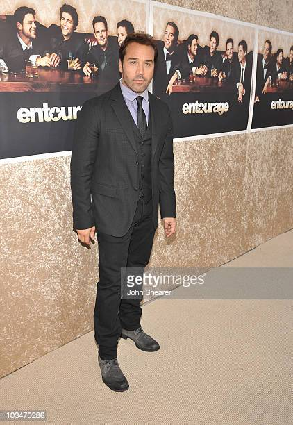 Actor Jeremy Piven arrives on the red carpet of the Los Angeles premiere of the six season of Entourage at the Paramount Theater on the Paramount...