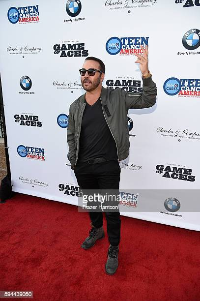 Actor Jeremy Piven attends Tea With Victoria Summer at British Consulate General Residence To Benefit Teen Cancer America on August 23 2016 in Los...