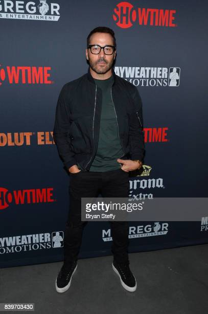 Actor Jeremy Piven attends the Showtime WME IME and Mayweather Promotions VIP PreFight party for Mayweather vs McGregor at TMobile Arena on August 26...
