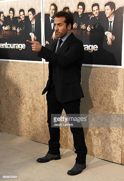 Actor Jeremy Piven attends the sixth season premiere of HBO's Entourage at Paramount Studios on July 9 2009 in Los Angeles California
