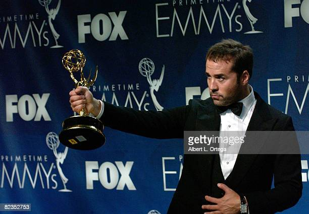Actor Jeremy Piven l of Entourage poses in the press room at the 59th Annual Primetime Emmy Awards for Outstanding Supporting Actor in a Comedy...