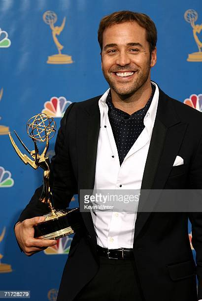 Actor Jeremy Piven poses in the press room after winning Outstanding Supporting Actor in a Comedy Series for Entourage at the 58th Annual Primetime...