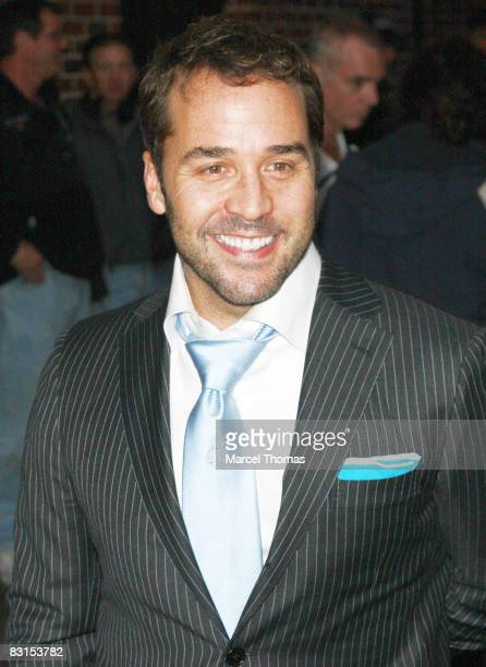Actor Jeremy Piven visits Late Show with David Letterman at the Ed Sullivan Theatre on October 6 2008 in New York City