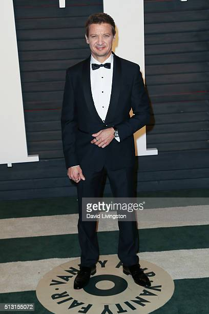 Actor Jeremy Renner arrives at the 2016 Vanity Fair Oscar Party Hosted by Graydon Carter at the Wallis Annenberg Center for the Performing Arts on...