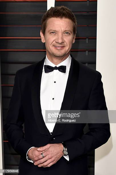 Actor Jeremy Renner attends the 2016 Vanity Fair Oscar Party hosted By Graydon Carter at Wallis Annenberg Center for the Performing Arts on February...
