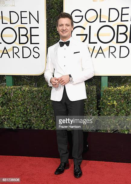 Actor Jeremy Renner attends the 74th Annual Golden Globe Awards at The Beverly Hilton Hotel on January 8 2017 in Beverly Hills California