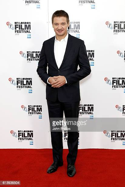 Actor Jeremy Renner attends the 'Arrival' photocall during the 60th BFI London Film Festival at Corinthia Hotel London on October 11 2016 in London...