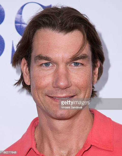 """Actor Jerry O'Connell attends the CBS television studios hosts 1st annual National TV Dinner Night for new comedies """"The Millers"""" and """"We Are Men"""" at..."""