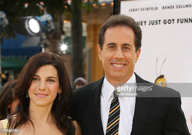 Actor Jerry Seinfeld and his wife Jessica attend the premiere of DreamWorks Animation's Bee Movie at the Mann's Bruin Theatre on October 28 2007 in...
