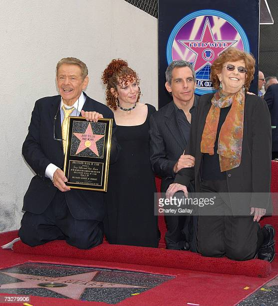 Actor Jerry Stiller daughter Amy Stiller son actor Ben Stiller and actress Anne Meara pose with a commemorative plaque as Jerry Stiller and Anne...
