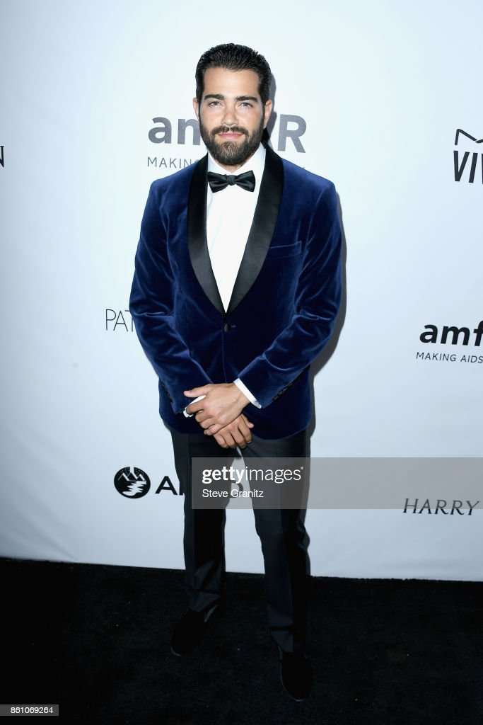 Actor Jesse Metcalfe attends the amfAR Gala 2017 at Ron Burkle's Green Acres Estate on October 13, 2017 in Beverly Hills, California.