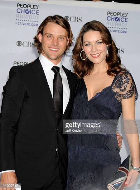 Actor Jesse Spencer and guest arrive at the 35th Annual People's Choice Awards held at the Shrine Auditorium on January 7, 2009 in Los Angeles,...