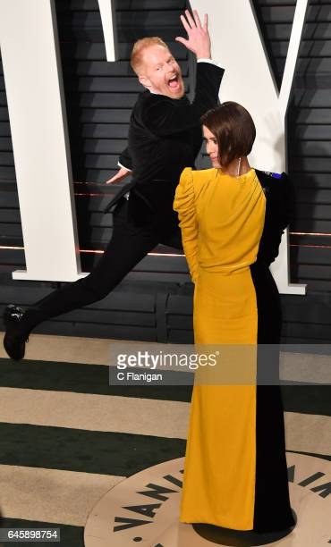 Actor Jesse Tyler Ferguson photobombs Actress Sarah Paulson at the 2017 Vanity Fair Oscar Party hosted by Graydon Carter at the Wallis Annenberg...