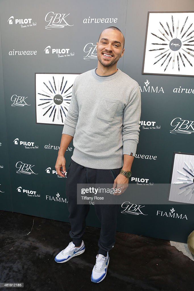 Actor Jesse Williams attends the GBK & Pilot Pen Pre-Golden Globe Gift Lounge on January 11, 2014 in Beverly Hills, California.