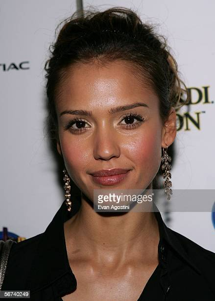 Actor Jessica Alba is seen in the green room during the 'Jimmy Kimmel Live' Show at Super Bowl XL February 3 2006 at the Gem Theatre in Detroit...