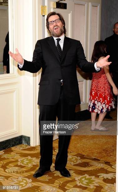 Actor Jim Carrey who received the Rodney Respect Award arrives at the 2009 UCLA Department of Neurosurgery's Visionary Ball on October 1 2009 in...