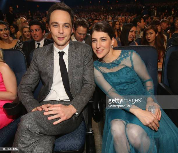 Actor Jim Parsons and actress Mayim Bialik attend The 40th Annual People's Choice Awards at Nokia Theatre LA Live on January 8 2014 in Los Angeles...