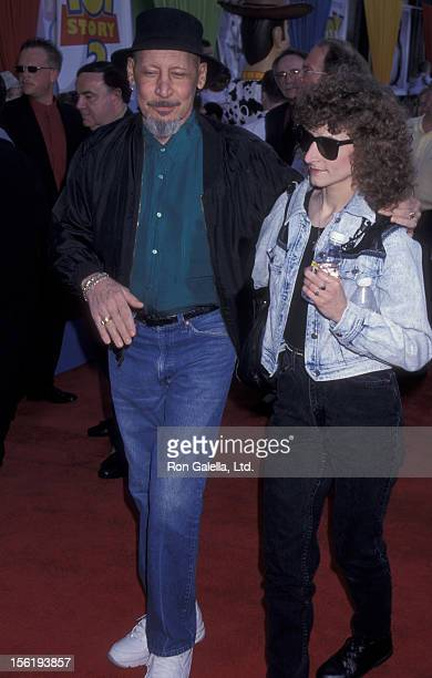 Actor Jim Varney and wife Jane Varney attend the world premiere of 'Toy Story 2' on November 13 1999 at the El Capitan Theater in Hollywood California