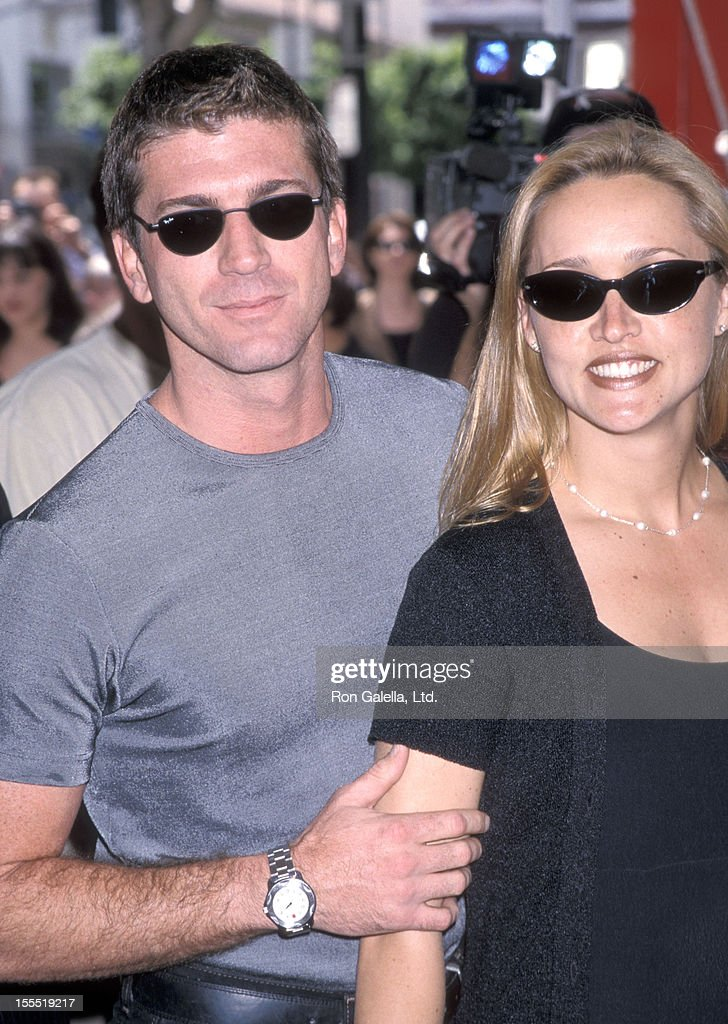 Actor Joe Lando and wife Kirsten Barlow attend the Quest for Camelot