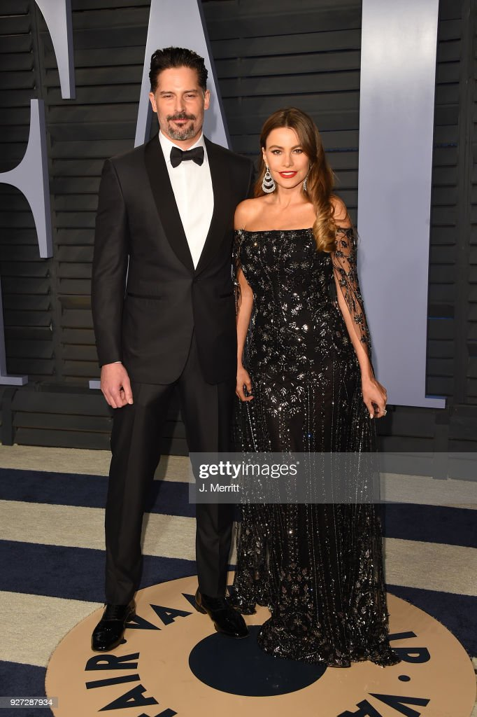 Actor Joe Manganiello (L) and actress Sofia Vergara attend the 2018 Vanity Fair Oscar Party hosted by Radhika Jones at the Wallis Annenberg Center for the Performing Arts on March 4, 2018 in Beverly Hills, California.