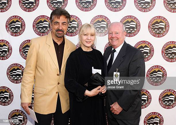 Actor Joe Mantegna Arlene Mantegna and Wayne Baglin attend The Festival of Arts/Pageant of The Masters 2008 Gala Benefit at the Irvine Bowl Park on...