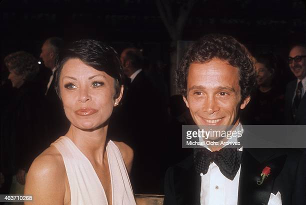 Actor Joel Grey and wife Jo Wilder arrive at the Academy Awards on March 27, 1973 at the Dorothy Chandler Pavilion in Los Angeles, California.
