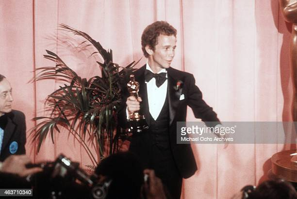 Actor Joel Grey poses backstage after winning his Academy Awards on March 27, 1973 at the Dorothy Chandler Pavilion in Los Angeles, California.