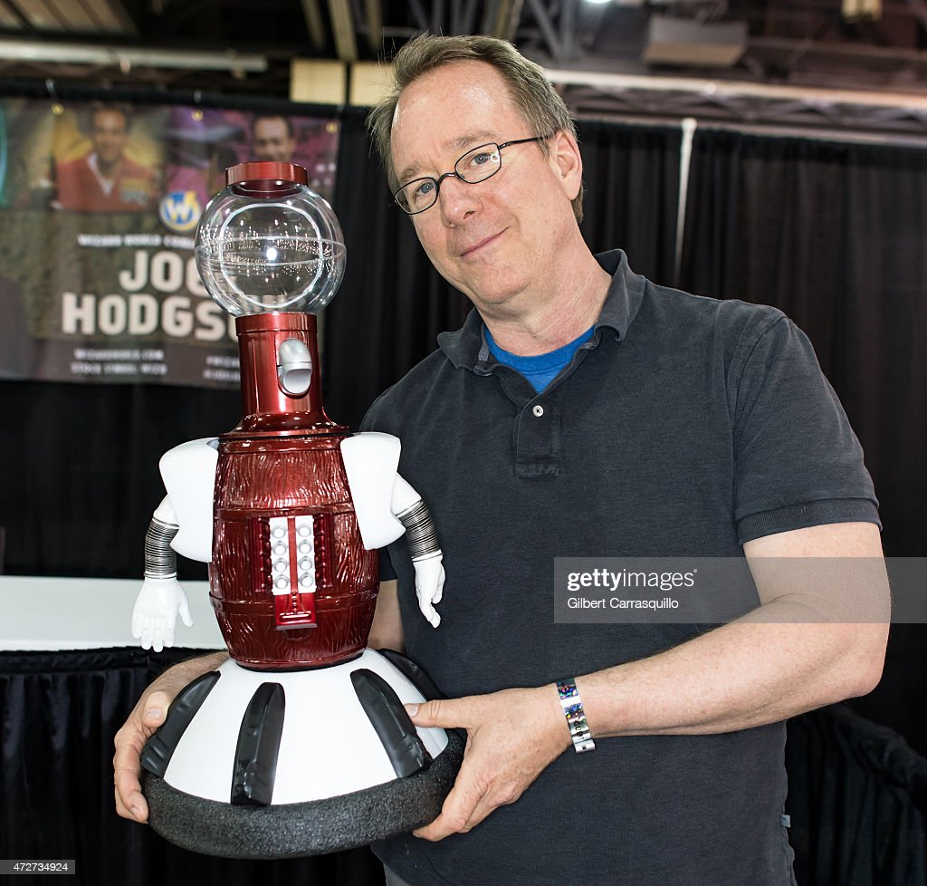 Actor Joel Hodgson attends day 2 of Wizard World Comic Con at Pennsylvania Convention Center on May 8, 2015 in Philadelphia, Pennsylvania.