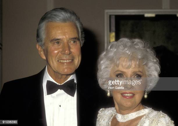 Actor John Forsythe and actress Barbara Stanwyck attend the 43rd Annual Golden Globe Awards on January 24 1986 at Beverly Hilton Hotel in Beverly...