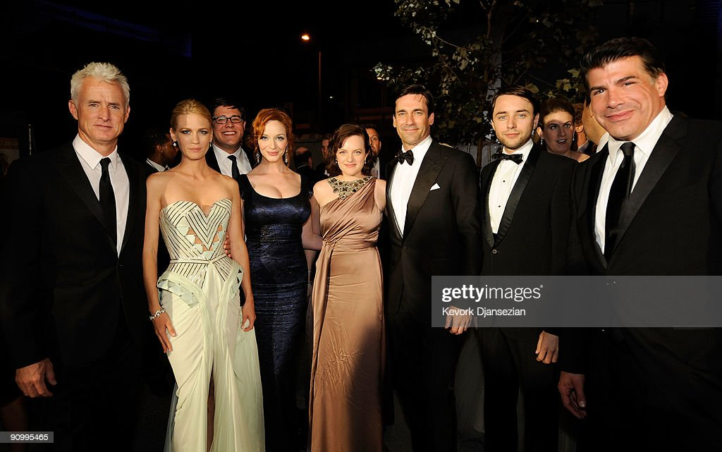 Actor John Slattery, January Jones, Christina Hendricks, Elisabeth Moss,Jon Hamm, Vincent Kartheiser and Bryan Batt pose backstage at the 61st Primetime Emmy Awards held at the Nokia Theatre on September 20, 2009 in Los Angeles, California.