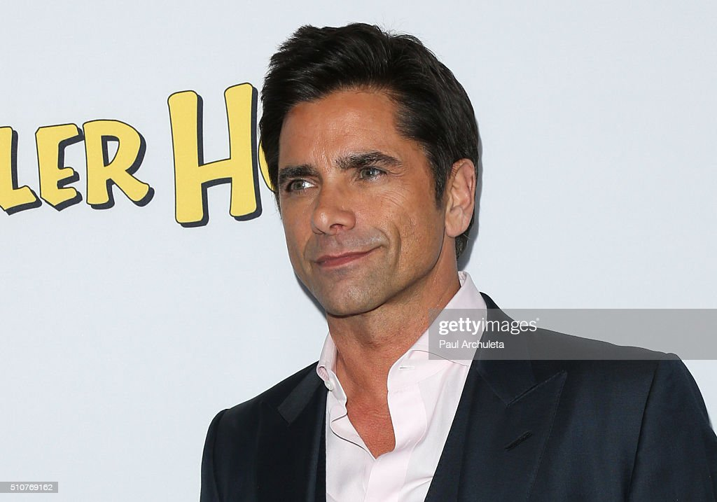 "Premiere Of Netflix's ""Fuller House"" - Arrivals : News Photo"