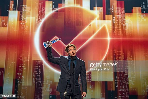 Actor Johnny Depp accepts the Favorite Movie Icon award onstage during the People's Choice Awards 2017 at Microsoft Theater on January 18 2017 in Los...