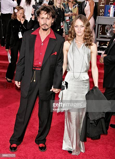 Actor Johnny Depp and model Vanessa Paradis arrives to the 63rd Annual Golden Globe Awards at the Beverly Hilton on January 16 2006 in Beverly Hills...