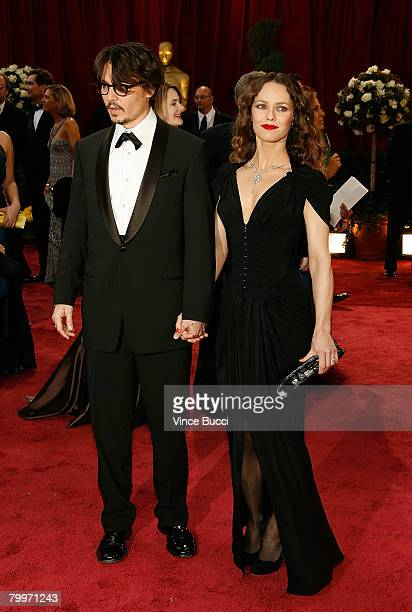 Actor Johnny Depp and Vanessa Paradis arrive at the 80th Annual Academy Awards held at the Kodak Theatre on February 24, 2008 in Hollywood,...