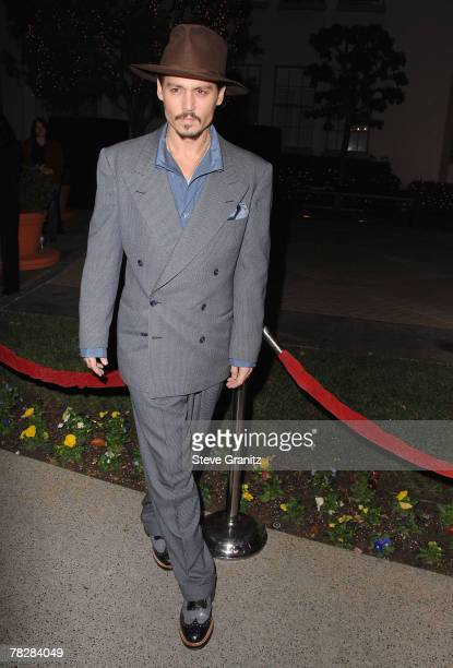 Actor Johnny Depp arrives at a special screening for DreamWorks Pictures' 'Sweeney Todd' at the Paramount Theater on December 5, 2007 in Los Angeles,...