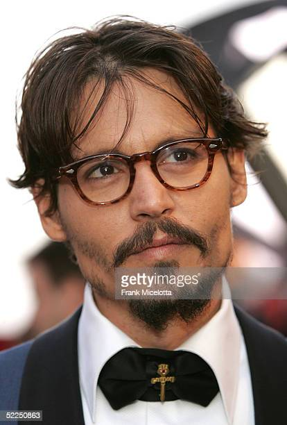 Actor Johnny Depp arrives at the 77th Annual Academy Awards at the Kodak Theater on February 27 2005 in Hollywood California