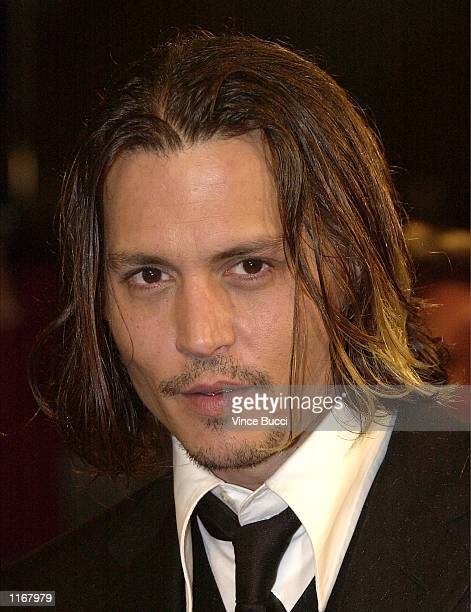 """Actor Johnny Depp attends the premiere of the film """"From Hell"""" October 17 , 2001 in Los Angeles, CA."""