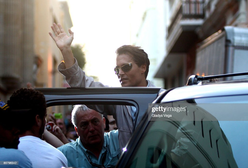 Actor Johnny Depp waving to fans on location for 'The Rum Diary' on April 3, 2009 in San Juan, Puerto Rico.