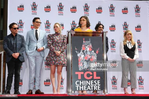 Actor Johnny Galecki Jim Parsons Kaley Cuoco Mayim Bialik Kunal Nayyar and Melissa Rauch attend the the handprint in cement ceremony for the cast of...