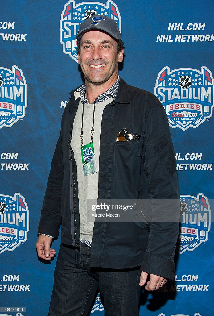 Actor Jon Hamm arrives at the 2014 Coors Light NHL Stadium Series Los Angeles at Dodger Stadium on January 25, 2014 in Los Angeles, California.