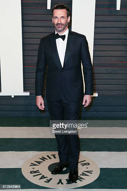 Actor Jon Hamm arrives at the 2016 Vanity Fair Oscar Party Hosted by Graydon Carter at the Wallis Annenberg Center for the Performing Arts on...
