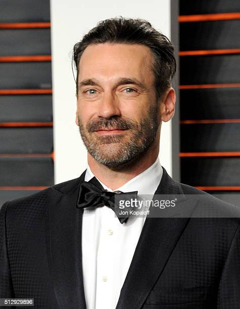 Actor Jon Hamm attends the 2016 Vanity Fair Oscar Party hosted By Graydon Carter at Wallis Annenberg Center for the Performing Arts on February 28...