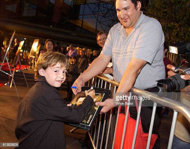 Actor Jonah Bobo attends the premiere of Warner Bros Around the Bend at the DGA on September 21 2004 in Hollywood California