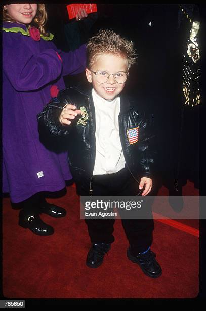 Actor Jonathan Lipnicki attends the premiere of the film Jerry Maguire at Pier 88 December 6 1996 in New York City The film tells the story of a...