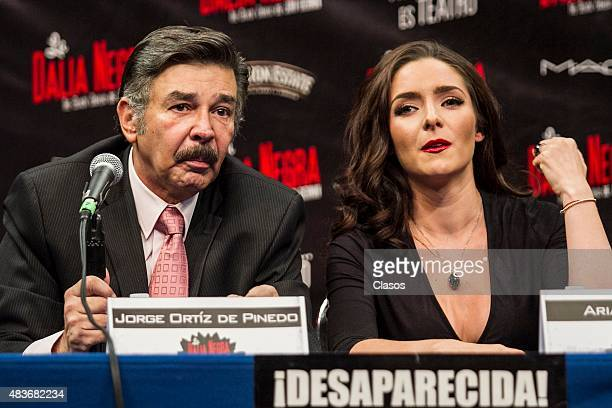 Actor Jorge Ortiz de Pinedo and Ariadne Diaz talk to the media during the presentation of the new staging 'La Dalia Negra' at Foro Chapultepec on...