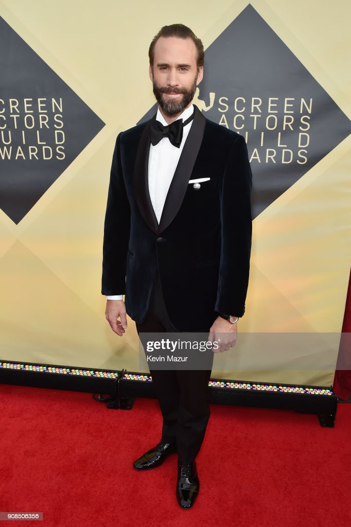 Actor Joseph Fiennes attends the 24th Annual Screen Actors Guild Awards at The Shrine Auditorium on January 21, 2018 in Los Angeles, California. 27522_007