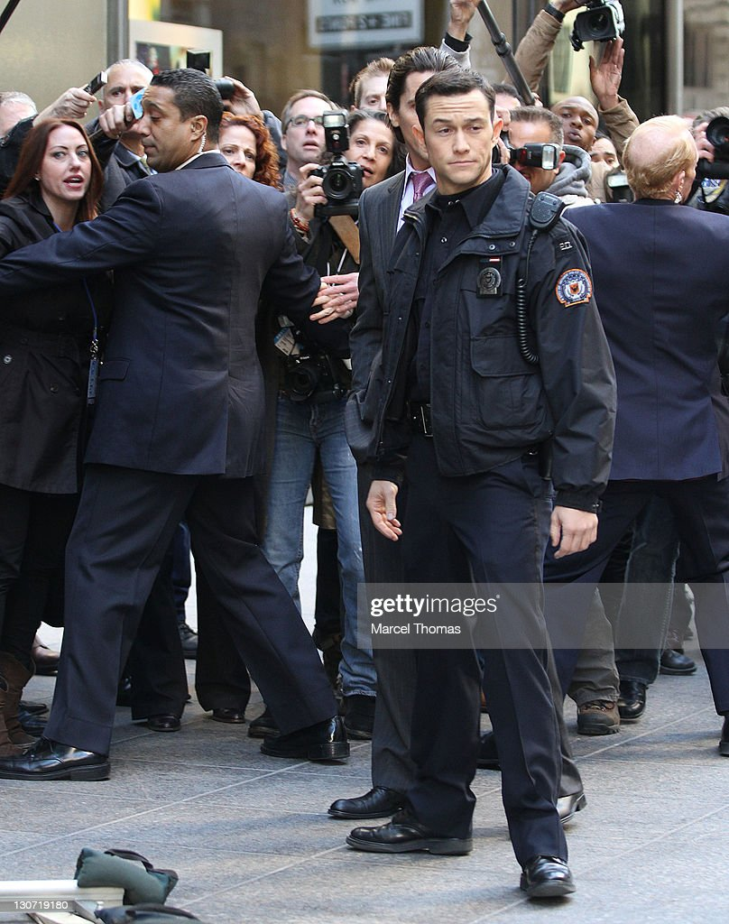 Celebrity Sightings In New York City - October 28, 2011 : ニュース写真